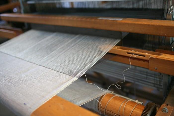 Marianne Kemp - weaving on loom